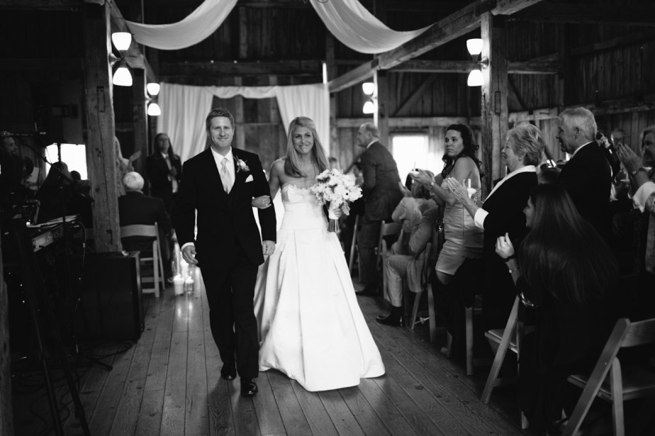 barn-on-walnut-hill-wedding-ceremony