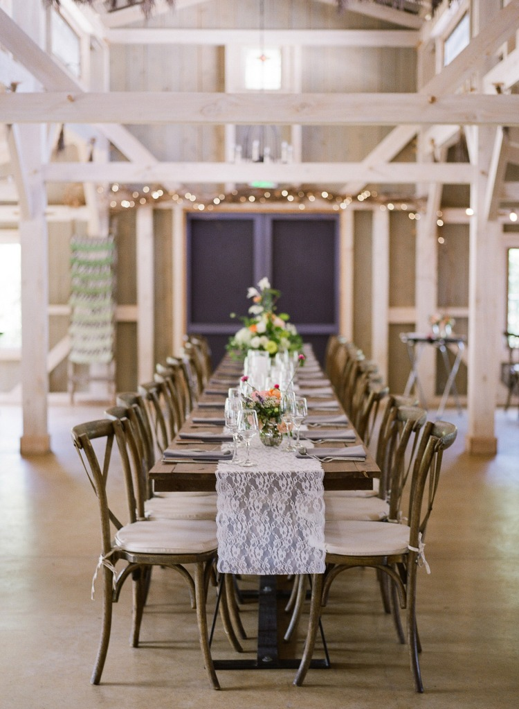 Daisies and Pearls at Marianmade Farm Wedding